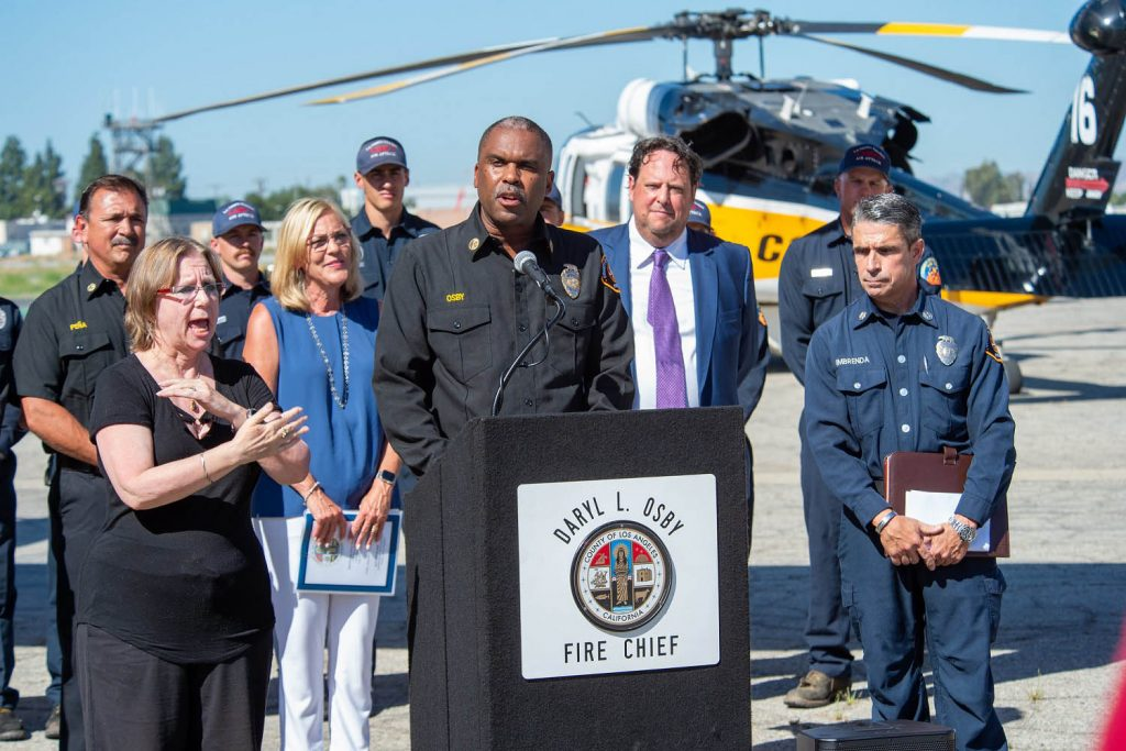 On Friday, September 6, 2019, Los Angeles County Fifth District Supervisor Kathryn Barger, Fire Chief Daryl L. Osby and Québec delegate Philippe P. Huneault hosted a media day at the Van Nuys Airport to highlight the arrival of two Bombardier CL-415 SuperScoopers.